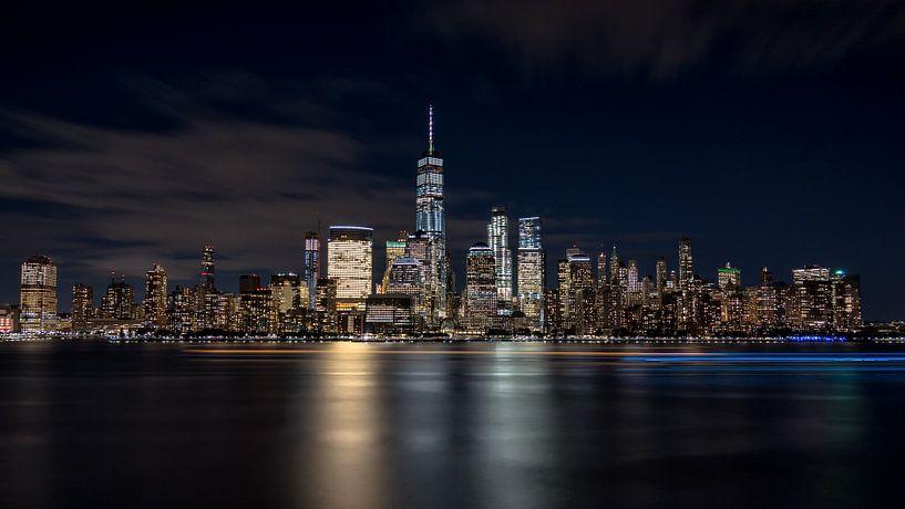 New York City evening skyline van Marieke Feenstra