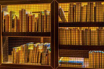 Boekenkast van de andere kant gefotografeerd von Hein Fleuren