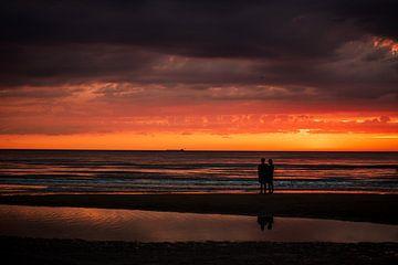 Samen op het strand van Erik Hageman