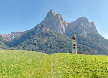 Sankt Valentin kirche, Seis am Schlern, Südtirol - Alto Adige, Italien von Rene van der Meer