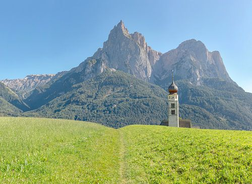 Kirche Sankt Valentin, Seis am Schlern, Südtirol - Alto Adige, Italië van