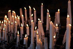 Devotiekaarsen bij de Basilika