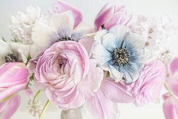 Simple Blossom #13 von Lizzy Pe