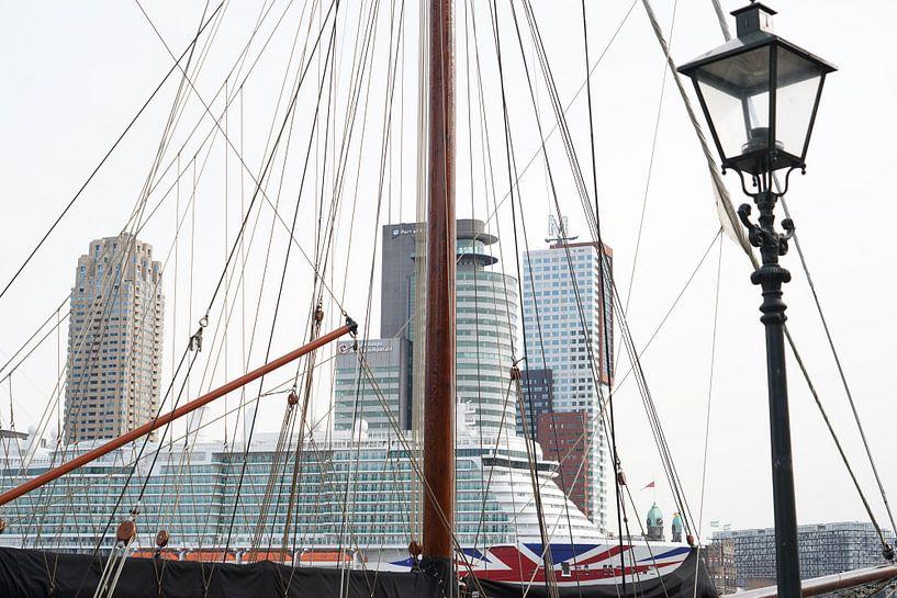 Linienschiff in Rotterdam. von Alain Ulmer