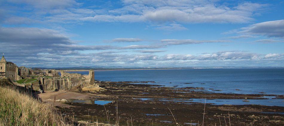 De kust bij St Andrews in Schotland