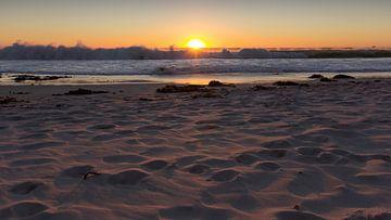 Ondergaande zon aan het strand, Camps Bay Kaapstap von Chris van Kan