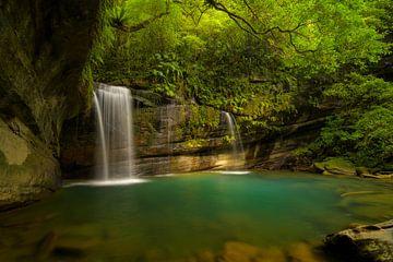 Wanggu waterval in noord Taiwan van Jos Pannekoek