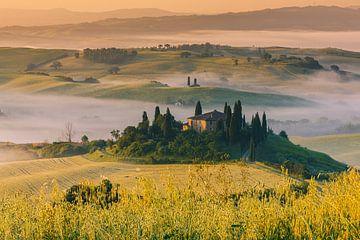 Zonsopkomst bij Podere Belvedere, Toscane, Italië van Henk Meijer Photography