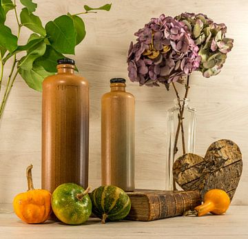 stil life  with stone bottles van Compuinfoto .