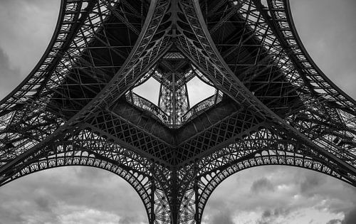 Eiffelturm in schwarz weiss