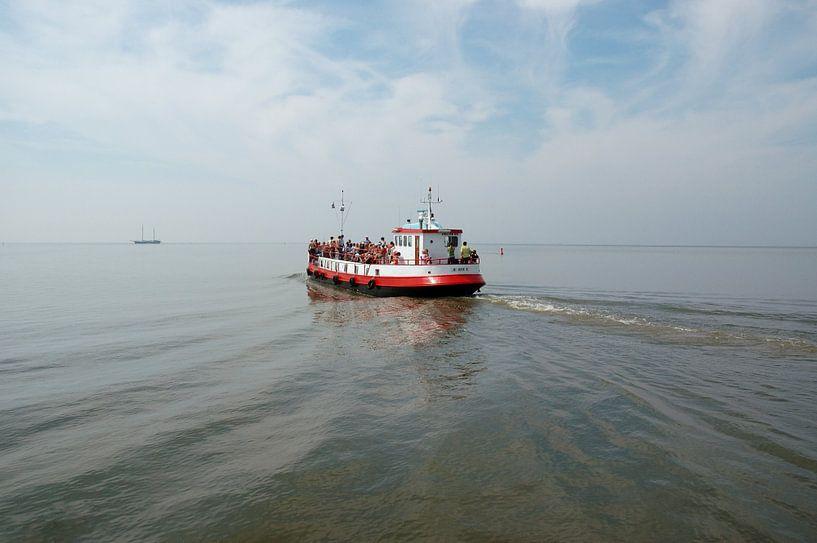 Boot op de Waddenzee van Sandra Visser