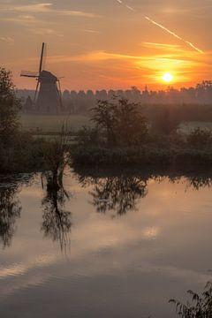 Zonsopgang bij molen in Lienden von Moetwil en van Dijk - Fotografie