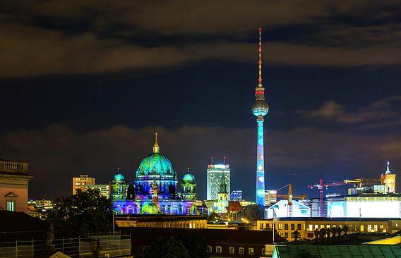 Berlijnse skyline 's nachts