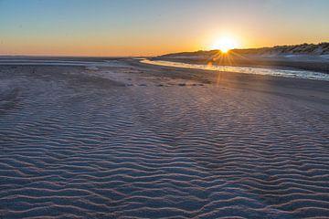 Zonsopkomst aan het strand van Marcel Klootwijk