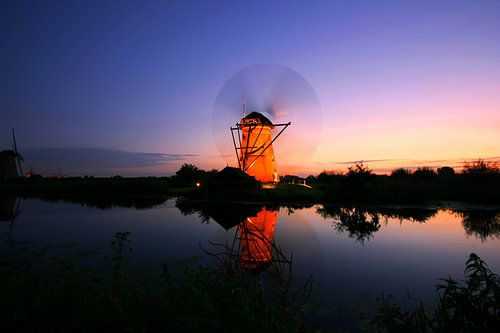 Dutch windmill at sunset. Kinderdijk The Netherlands von noeky1980 photography