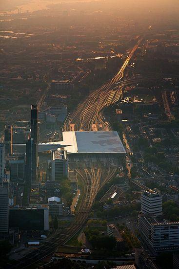 Rotterdam centraal station vanuit de lucht gezien van Anton de Zeeuw