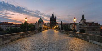Prag bei Sonnenaufgang von Robin Oelschlegel