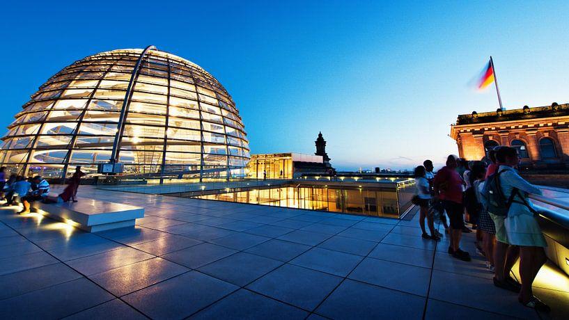 Berlin – Reichstag Building Rooftop Terrace van Alexander Voss
