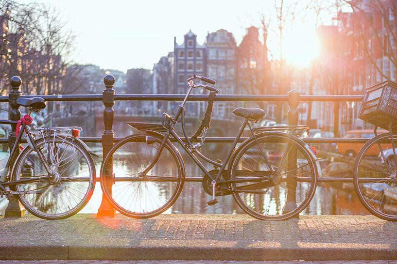Fiets op de Brouwersgracht, Amsterdam van Wesley Flaman