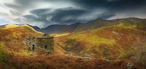 Ruïne in het ruige landschap, Lake district, Groot Brittannië