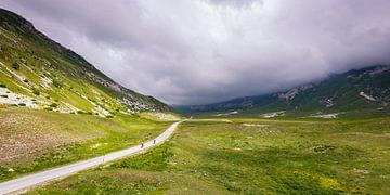 Twee fietsers op Campo Imperatore von