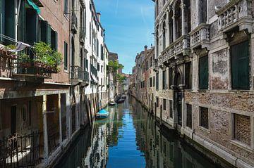 Mooie romantische gracht in Venetie