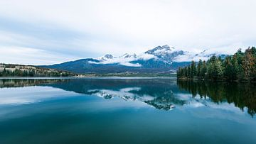 Pyramid Lake ....... van Robert Van Der Linde