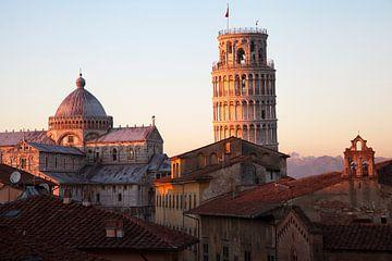 de scheve toren van Pisa van Jürgen Wiesler