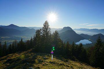 Uitzicht op de Hohe Salve en Hintersteiner See, Tirol van Kelly Alblas