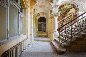 Treppenhaus in einer verlassenen Villa