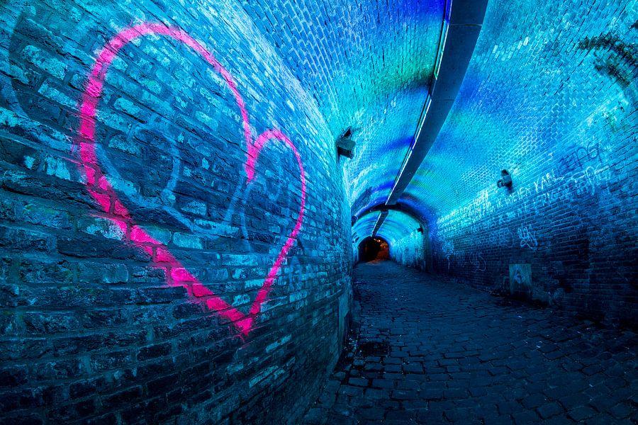 Verlichte tunnel Ganzenmarkt Utrecht van Edwin Mooijaart