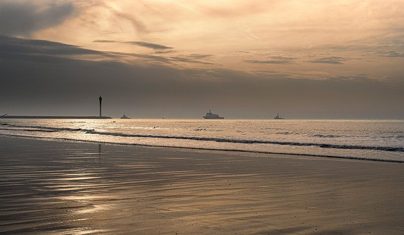 1032 Ostend Harbor II van Adrien Hendrickx