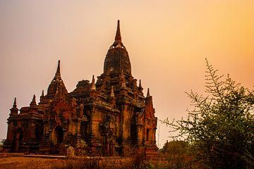 Serene tempel in Bagan van Joey Ploch