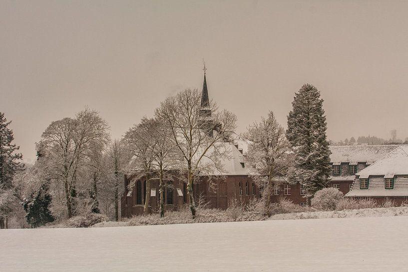 Huize Damiaan te Simpelveld in de sneeuw van John Kreukniet
