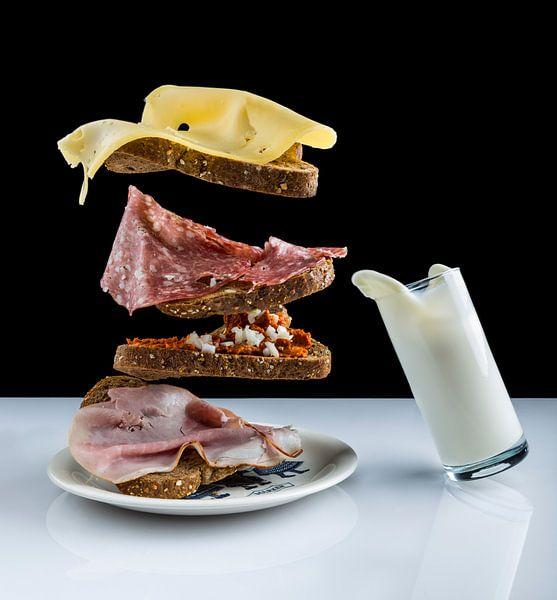 Swingend ontbijt met vliegend brood van Marcel Krol