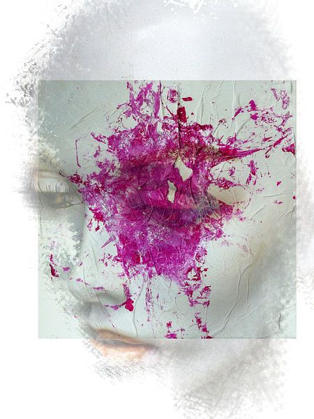 The woman with the pink splash van Gabi Hampe
