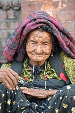 Old woman van Tinus Tibbe