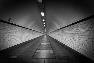 Ist am Ende des Tunnels Licht? von Cees Stalenberg