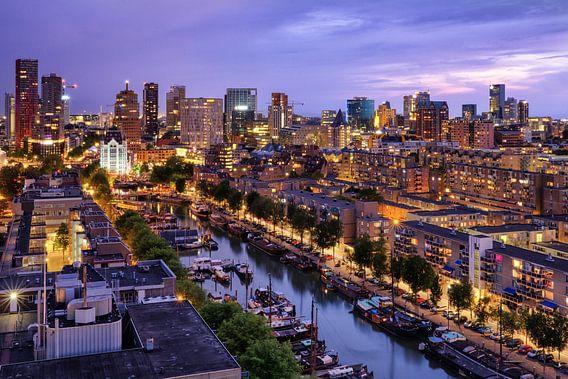 Skyline bij avondlicht   Rotterdam