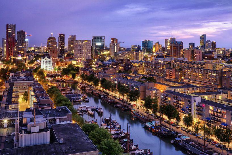 Skyline bij avondlicht | Rotterdam van Menno Verheij / #roffalove