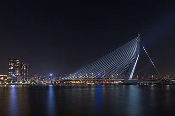 De Erasmusbrug in Rotterdam met de Grote Beer van MS Fotografie | Marc van der Stelt
