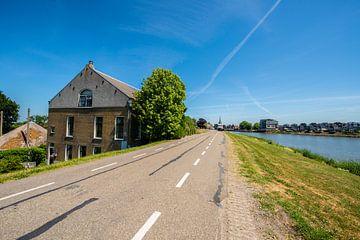 IJsseldijk bij Capelle ad IJssel. van Brian Morgan