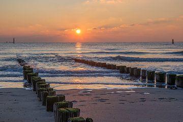 Zonsondergang aan het strand van Marcel Klootwijk