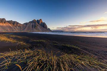 De bekende Vestrahorn berg van IJsland van Paul Weekers Fotografie