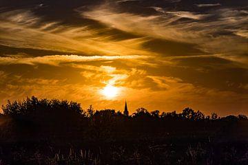 zonsondergang boven Assendelft van Mike Bot PhotographS