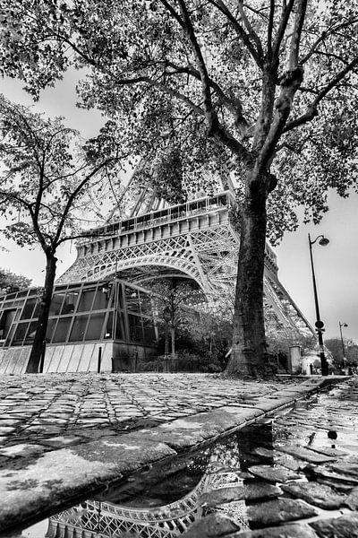 Straatbeeld Eiffeltoren Frankrijk van Rob van der Teen