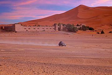 Op reis door de Sahara Woestijn in Marokko Afrika van Nisangha Masselink