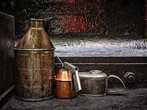 Railroad oil cans