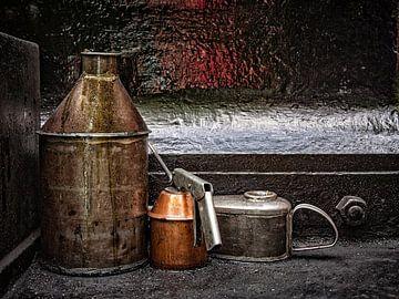 Railroad oil cans van Freddy Hoevers