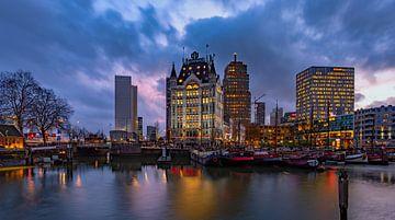 Avond in Rotterdam van Peet de Rouw